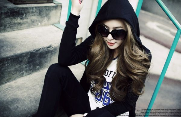 Kính mát nhựa nữ chống tia UV thời trang Mua Bán Sỉ Lẻ Order Quảng Châu