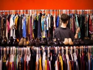 Những điều cần lưu ý khi nhập quần áo bán buôn