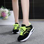 Hình ảnh nguồn hàng Giày thể thao trẻ em nhiều màu mới nhất giá sỉ quảng châu taobao 1688 trung quốc về TpHCM